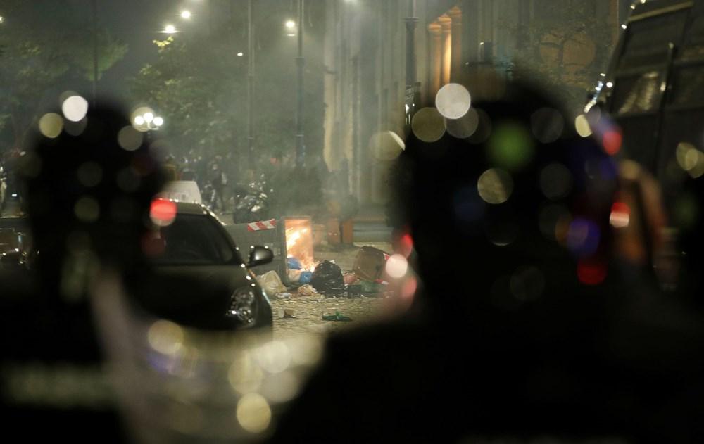 İtalya'nın Napoli kentinde sokağa çıkma yasağı olaylı başladı - 6