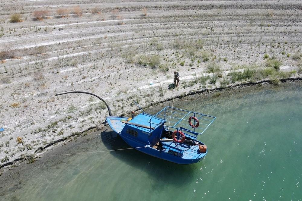 Doğaya kaçış hikayeleri: 'Robinson Ziya'nın Keban Baraj Gölü'ndeki adada huzurlu yaşamı - 12