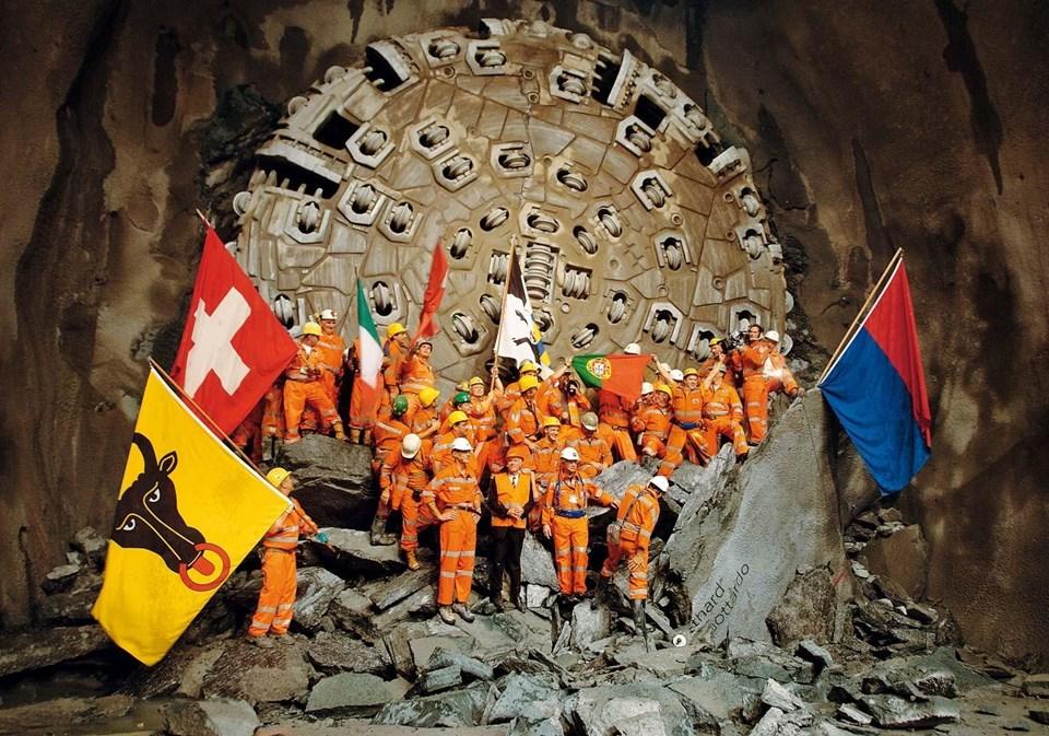 Tünelin Avrupa taşımacılığında önemli bir yer oynacağının altı çizildi.