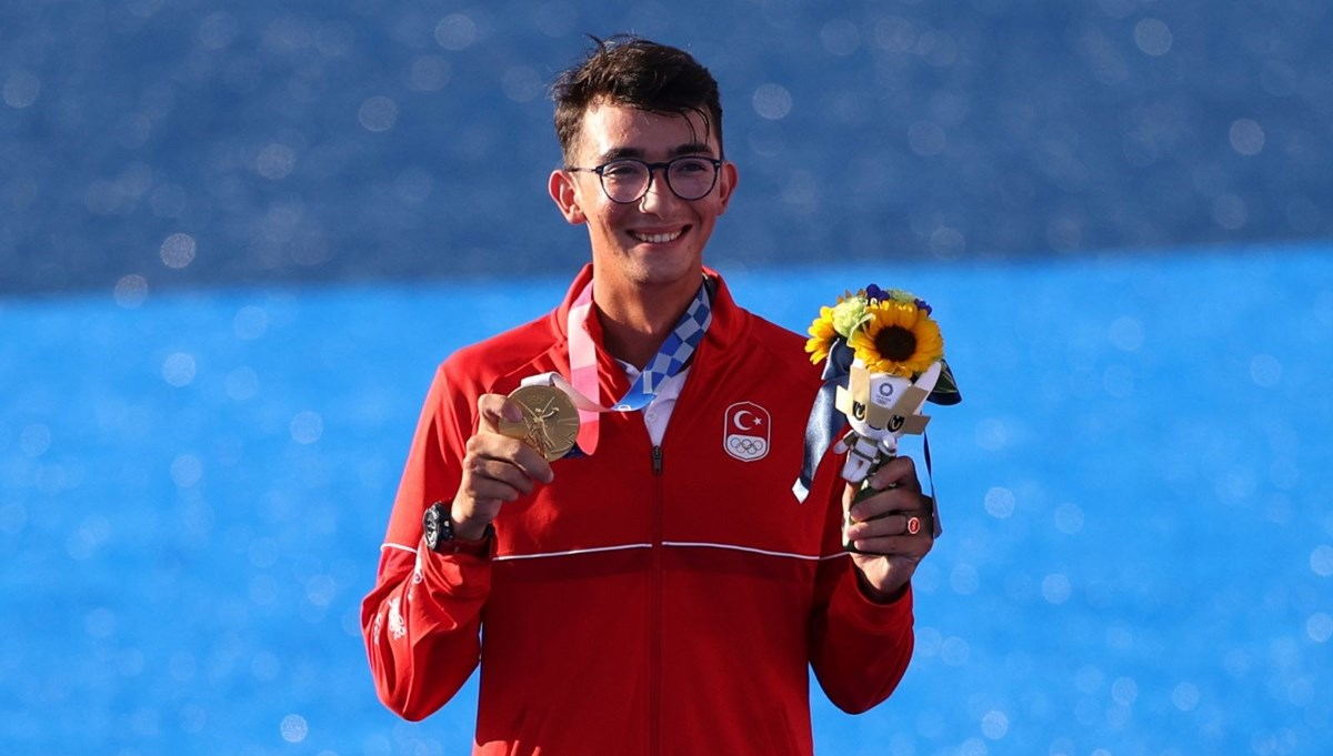 SON DAKİKA: Milli okçumuz Mete Gazoz olimpiyat şampiyonu (Mete Gazoz kimdir?)