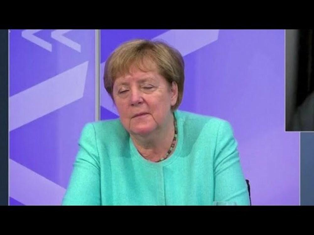Angela Merkel televizyonda uyuya kaldı - 3