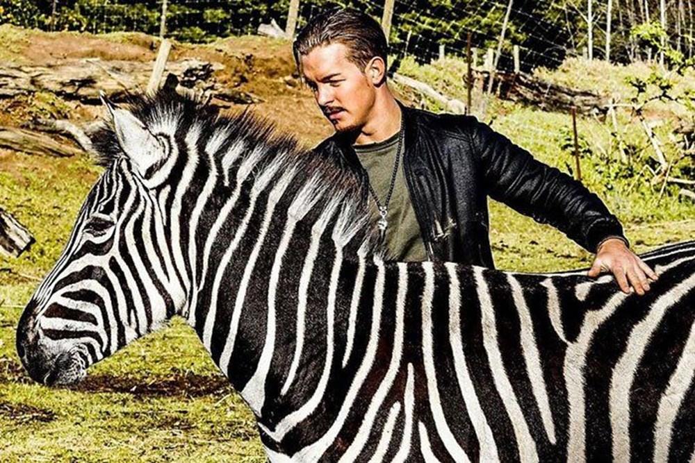 İşinden ayrılıp sahip olduğu her şeyi sattı ve vahşi hayvanlara yardım etmek için Afrika'ya yerleşti - 4