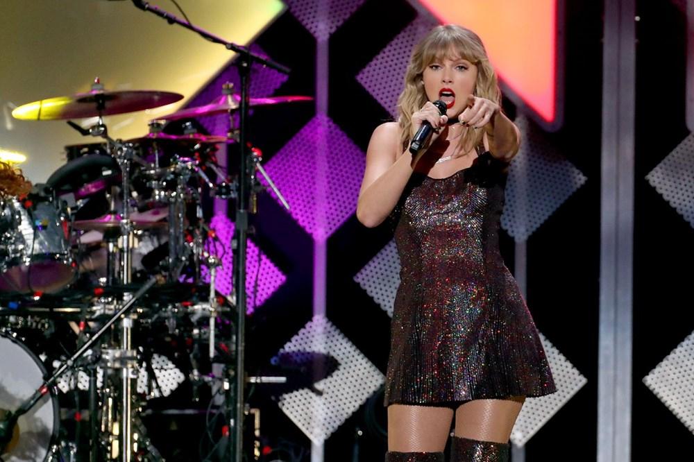 Taylor Swift, Folklore albümü ile rekorları alt üst etti - 3