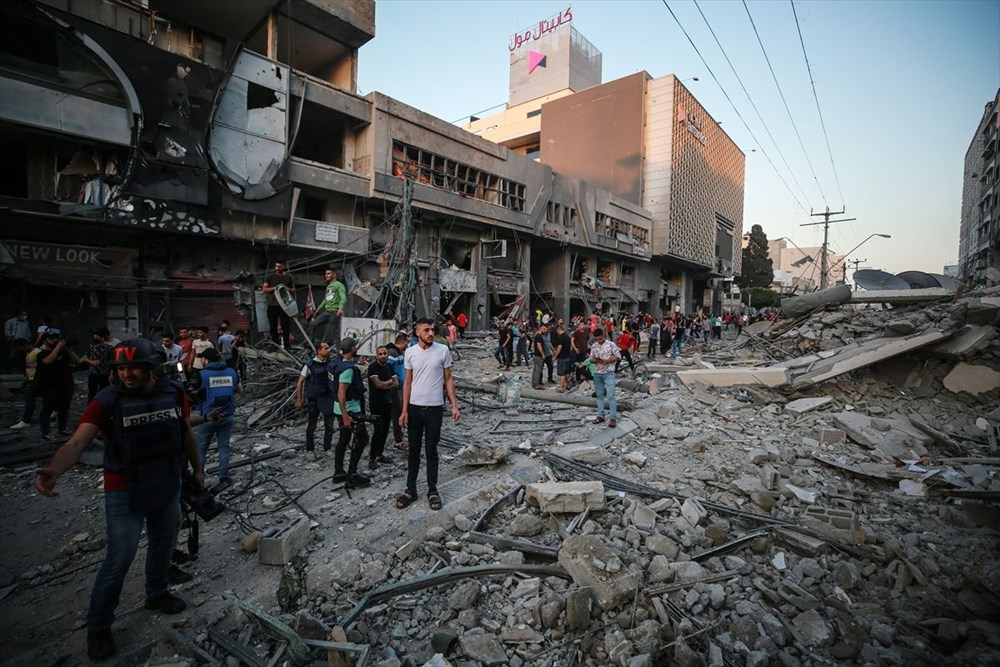 İsrail, Gazze'de sivillerin bulunduğu 14 katlı binayı vurdu - 29