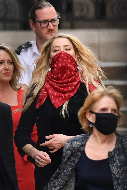 Johnny Depp'in iftira davasında Amber Heard'ın özel telefon mesajları ortaya çıktı - 7