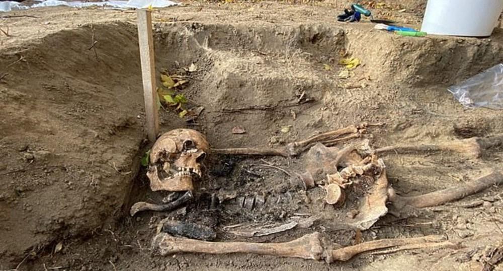 İkinci Dünya Savaşı'nda öldürülen Katolik rahibelerin kemikleri arkeolojik kazıdabulundu - 4
