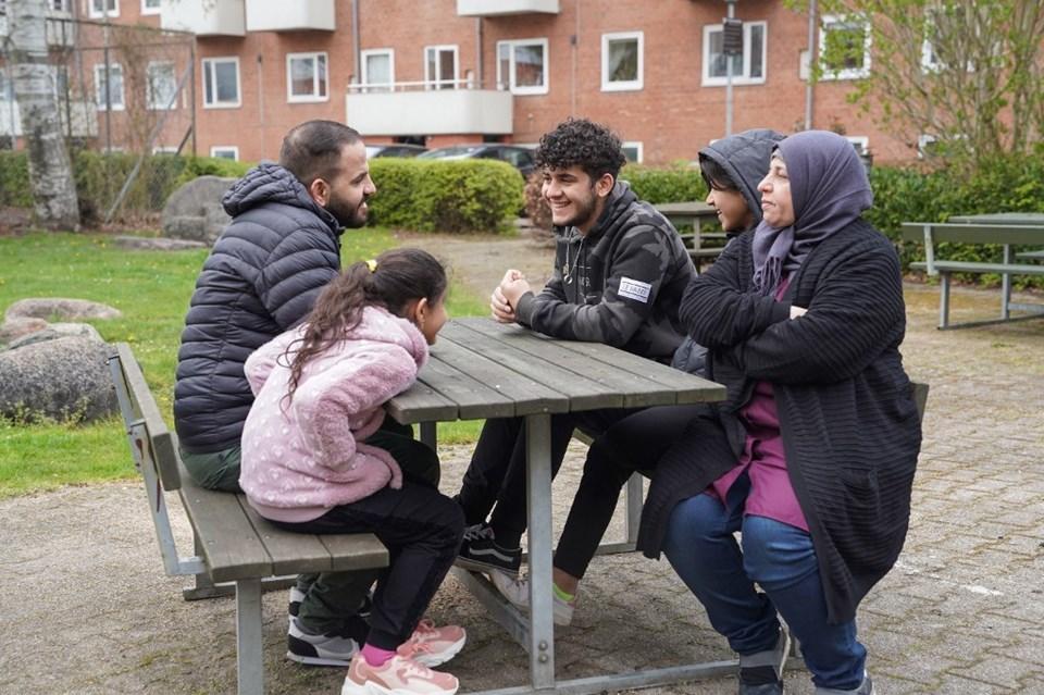 Suriye'deki iç savaştan kaçıp Danimarka'ya yerleşen bir aile