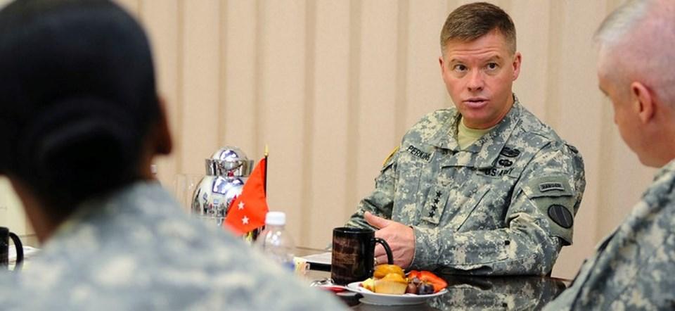ABD'li general David Perkins 200 dolarlık İHA'nın 3 milyon dolar değerindeki füzeyle vurulduğunu açıkladı.