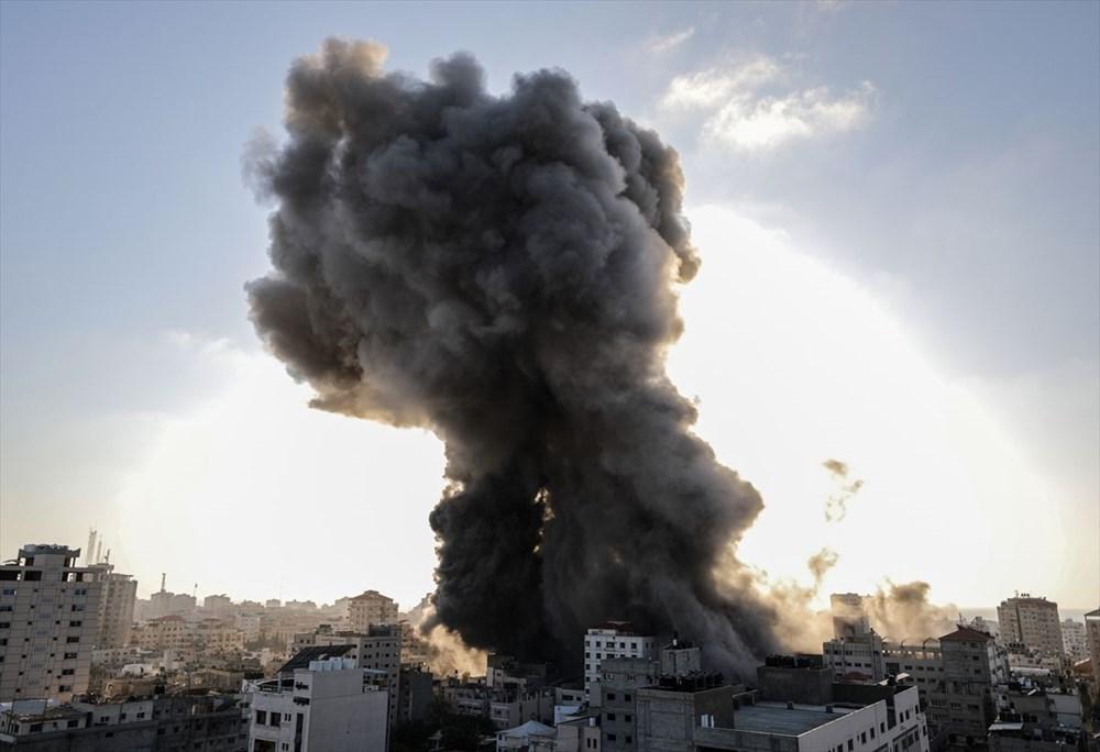 İsrail, Gazze'de sivillerin bulunduğu 14 katlı binayı vurdu - 12