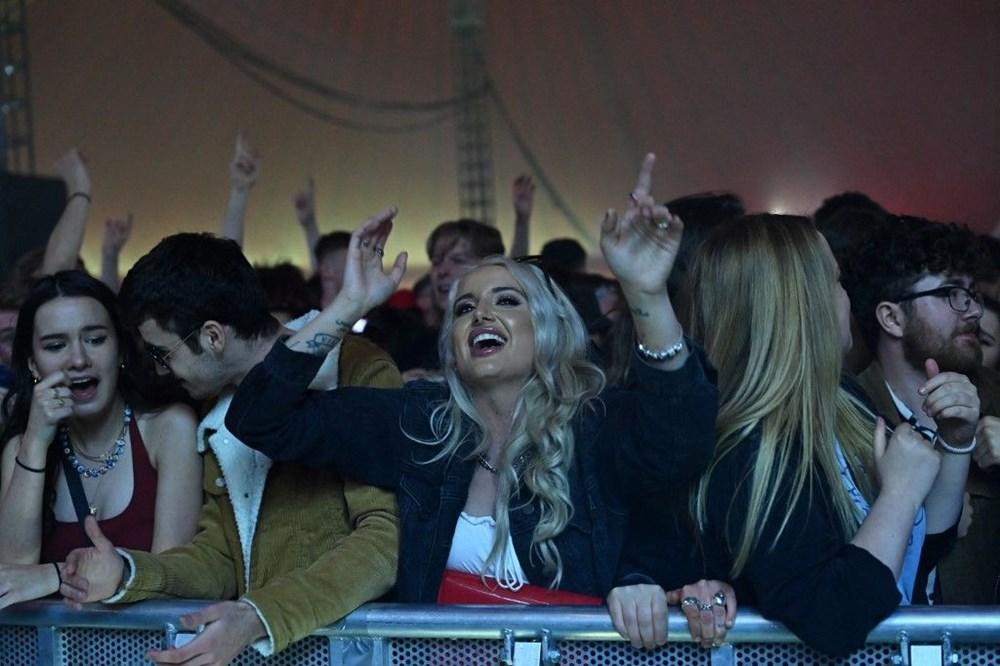 İngiltere'de aylar sonra ilk müzik festivali - 7
