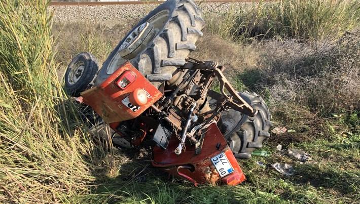 Aydın'da kamyonetle traktör çarpıştı: 1 ölü, 2 yaralı