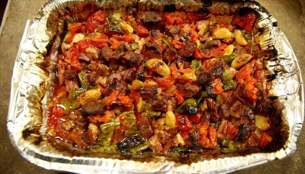 Kayseri'de iftar sofralarının ana yemeği: Fırın ağzı
