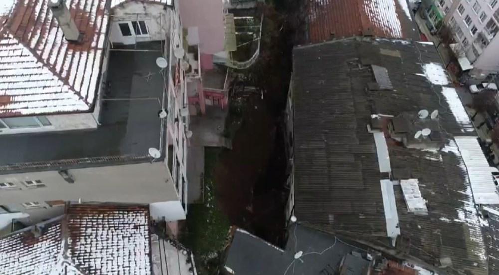 Bursa'da istinat duvarı çöktü: 3 apartman tahliye edildi - 5