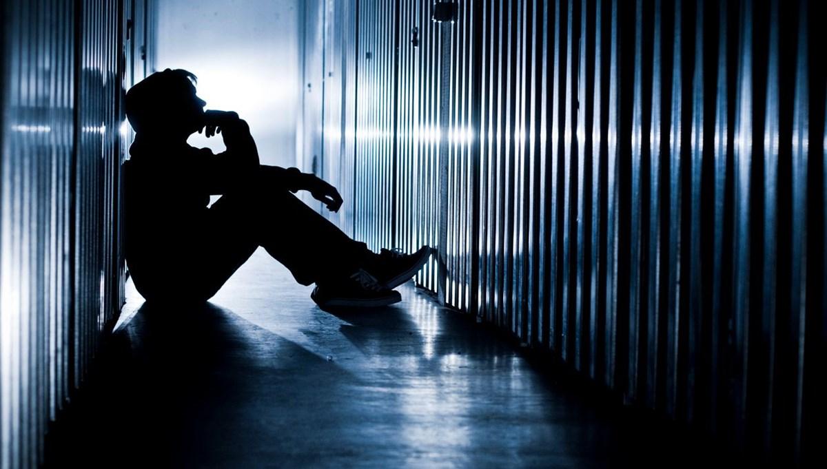 Araştırma: Çocukları ve ergenleri intihara sürükleyen 8 internet deneyimi