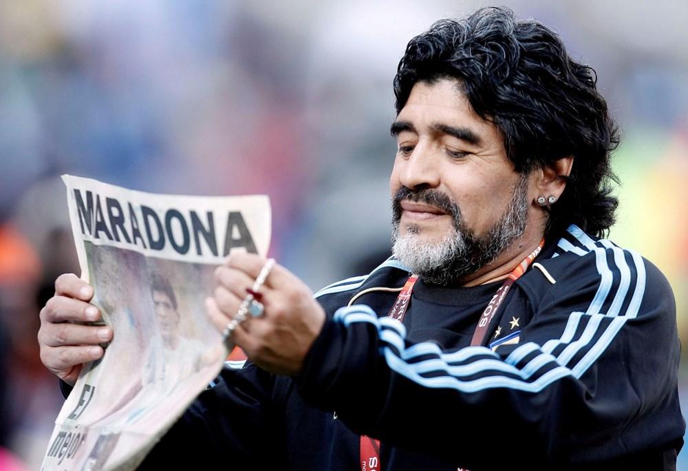 Futbol dünyasından Armando Maradona geçti - 3