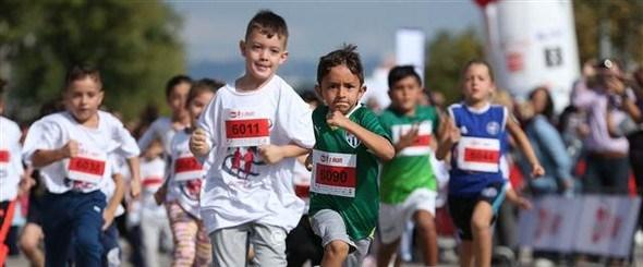 Çocuk koşu.jpg