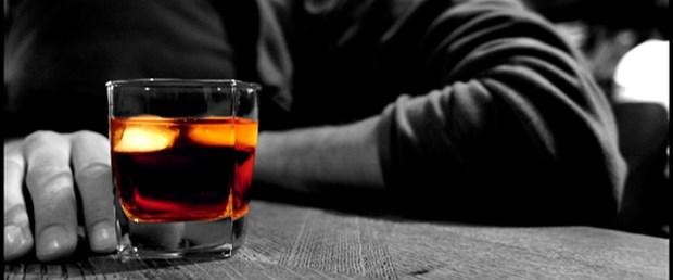 Alkol erken bunamaya yol açıyor