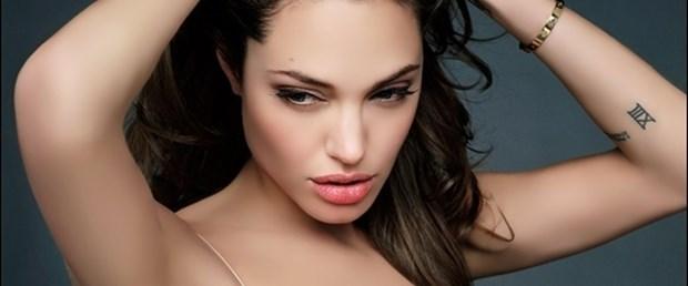 Angelina doktorları böldü