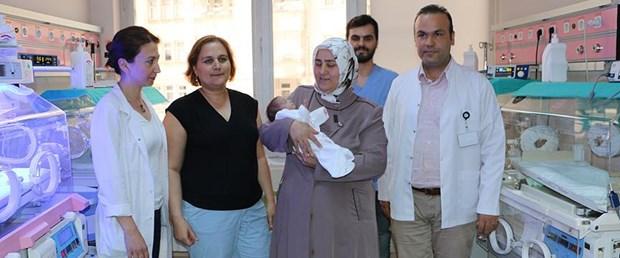 Anne karnındaki bebeğe 4 kez kan nakli yapıldı.jpg