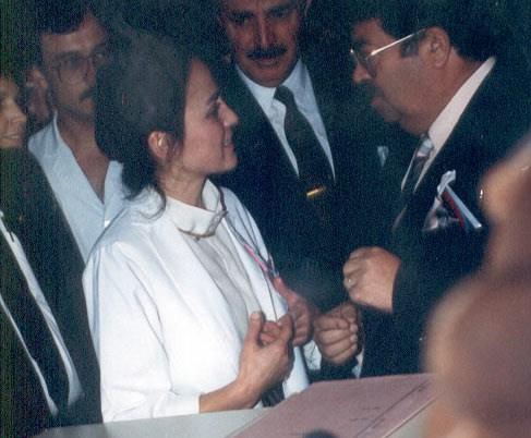 Dr. Serap Aka, 8. Cumhurbaşkanı merhum Turgut Özal ile birlikte.