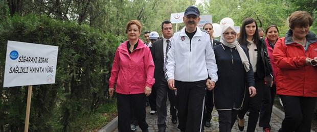 Bakan Müezzinoğlu, sağlıklı yaşam için yürüdü