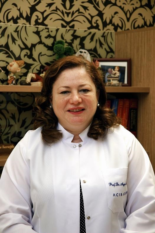 Prof.Ayşe Sarıoğlu, anne adaylarına hamileliklerini planlışekilde gerçekleştirmelerini öneriyor.