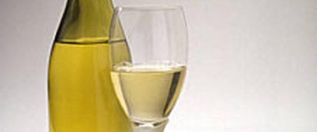 Beyaz şarap dişlere zararlı