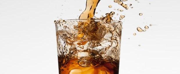 Bir kutu gazlı içecekte 10 adet küp şeker var.jpg