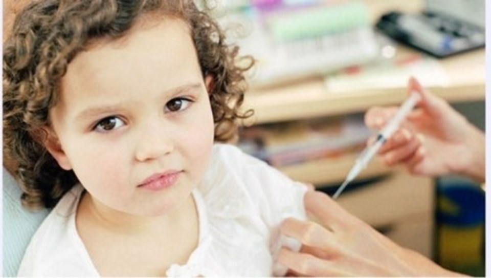 Aşılarının tam olması, çocuğun hiç hastalanmayacağı anlamına gelmez.