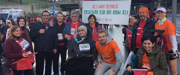 Bursasporlu Kaleci Mert Günok, ALS hastaları için koştu.jpg