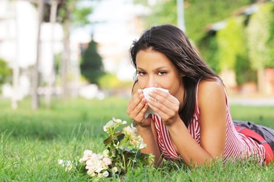 Uzmanlar, güneşten koruyucu ürünlerin bahar aylarında da kullanımsanı öneriyor.