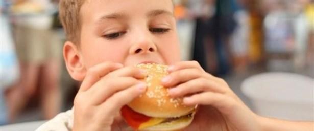 Çocuklardaki obezite alarm veriyor.jpg