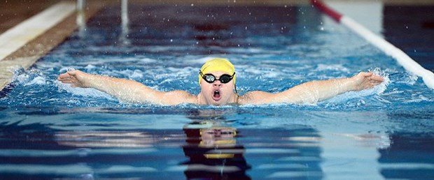 Down sendromlu yüzücünün hedefi Avrupa şampiyonluğu.jpg