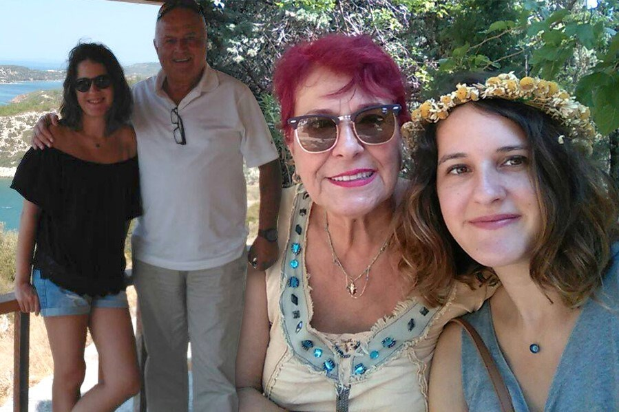 Ecem anne ve babasıyla...