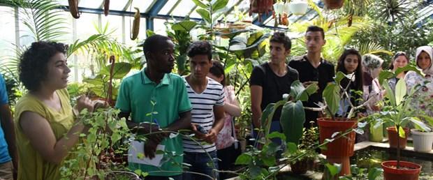 Geleceğin bitki uzmanları bu bahçede yetişiyor.jpg