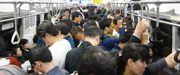 metro tren kalabalık.jpg