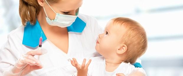 hemşire bebek aşı.jpg