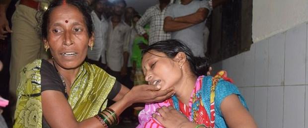 hindistan çocuk hastane ölüm120817.jpg