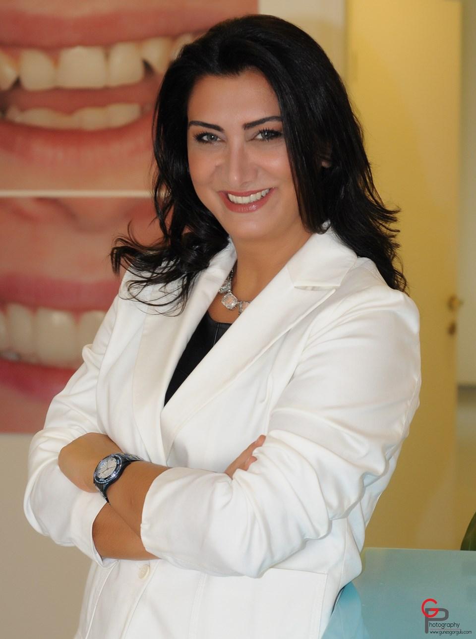 Estetik Diş Hekimi Aslı Ercanlı