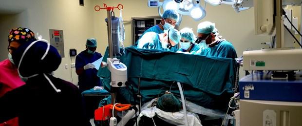 malatyada-5-hastaya-es-zamanli-karaciger-nakli-operasyonu-basariyla-tamamlandi-2--yeniden_6870_dhaphoto8.jpg