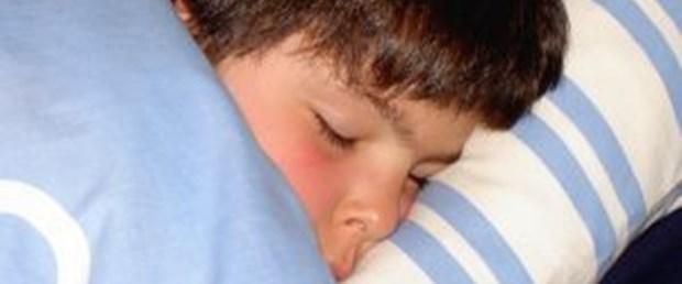 İyi uyumayan çocuk şişman ve depresif oluyor