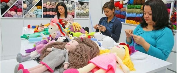 Kanser hastası çocuklar için organik oyuncak yapıyorlar