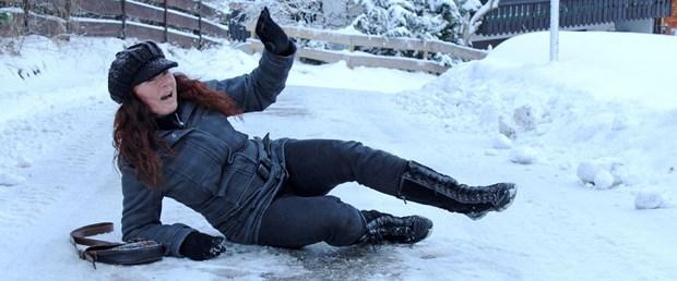 Karda kayarak düşme (4).jpg