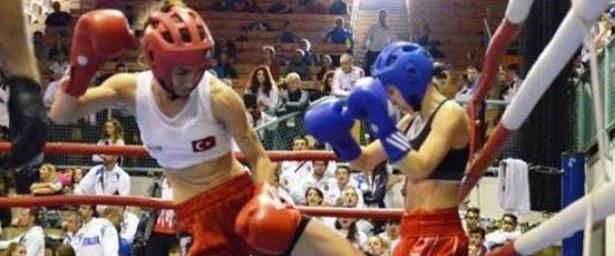 kik boks şampiyonu duygu turan.jpg