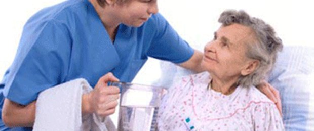Kimsesiz hastaya refakatçi desteği