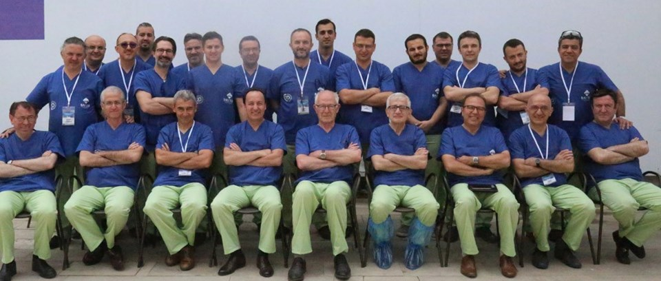 Kadavradan menisküs kursuna katılan hekimler