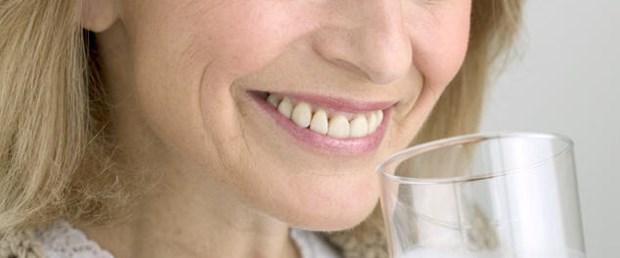 Menopozda diş kemikleri de eriyor