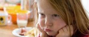Mızmız çocuğa nasıl yemek yedirilir?