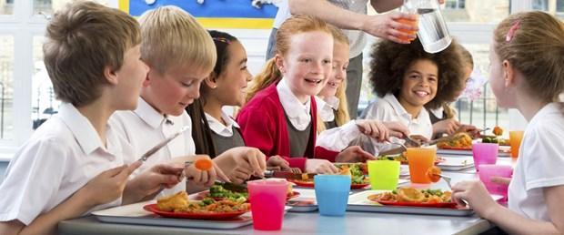 Okul çocuklarında beslenme nasıl olmalı.jpg