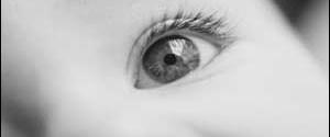 Parıltılı şehla bakış hastalık belirtisi olabilir